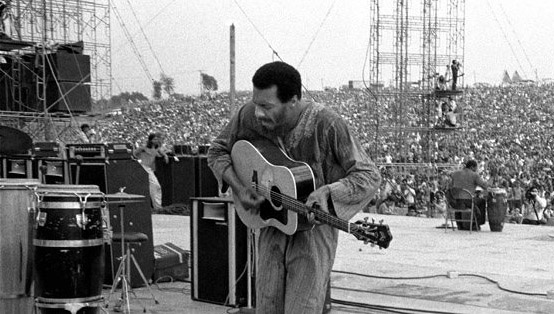 "Richie Havens performing ""Handsome Johnny"" at Woodstock 1969"