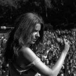 Janis Joplin singing to the crows